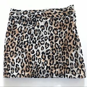 EUC CHILDREN'S PLACE Leopard Print Skirt / Skort 6